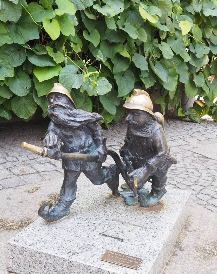 Poland Travel Inspiration - Hunting for Dwarfs in Wroclaw and what a great city break destination; cheap, cheerful and family friendly!