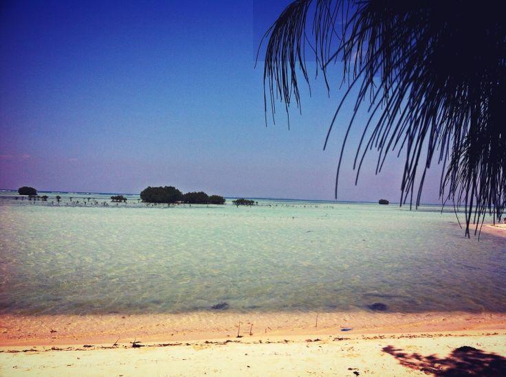Pantai perawan (virgin beaches) kepulauan seribu - pulau pari - indonesia - jakarta