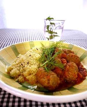 ケフタはモロッコ風ミートボールです。〜 料理ブロガー ヤミーさんの料理レシピより - 16件のもぐもぐ - ケフタのトマト煮 クスクス添え by koko