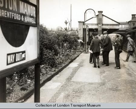 Boston Manor station for Brentford and Hanwell - Photograph 1998/80252 - Photographic collection, London Transport Museum