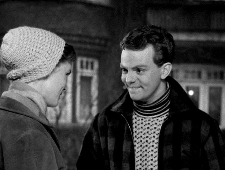 som Henrik, i Det lille hotel fra 1953. (her overfor Ghita Nørby)