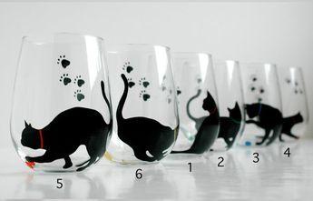 Gato e hilado Stemless copas de vino - Set de 2 mano gafas de gato negro pintado vidrios, gatos, gato, gato amante, gatos negros, mano, vidrio