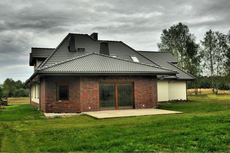 http://elewacjezuzzy.blogspot.in/search/label/Grafitowy dach ciemne okna
