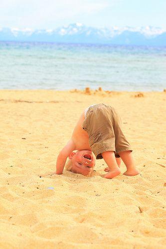 Nieuwe cursus mama & ukkepuk voor moeders en hun kindje vanaf 9 maanden tot 2 jaar. Muziek, dansen, leren, plezier, yoga oefeningen. Niet alleen je kindje is actief maar jij ook! Www.centrumdespiegel.nl