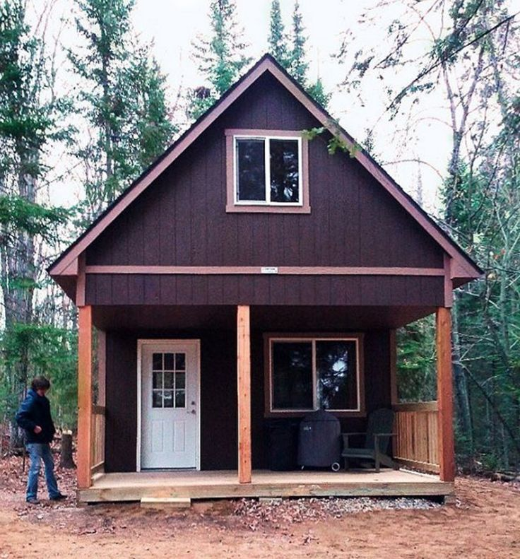 Talk about a weekend retreat this cabin is right at home for Weekend cabin plans