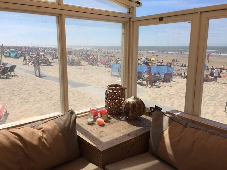 Zomerhuis/Cottage in Castricum aan Zee, Nederland. Wakker worden in ons mooie strandhuisje op het strand van Castricum aan Zee. Het huisje is van alle gemakken voorzien zoals badkamer, keuken, twee slaapkamers en een mooie terras inclusief gebruik van een Big Green Egg. Het strandhuis staat echt ...
