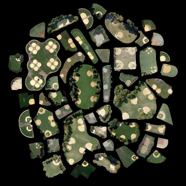 Satellite Collections par Jenny Odell, Les Terrains de baseball de Manhattan