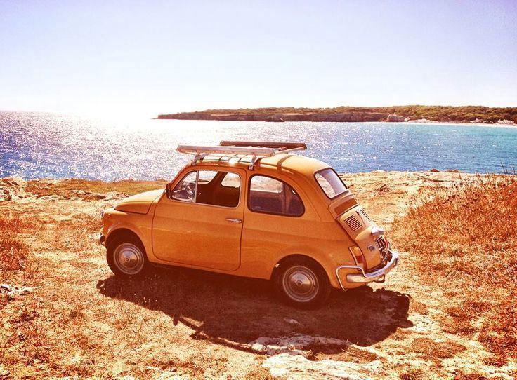 #Viaggiare #ontheroad #travelling #vintagecars  I #consigli di #smARTraveller   – [...] Sal, dobbiamo andare e non fermarci mai finché non arriviamo. – Per andare dove, amico?  – Non lo so, ma dobbiamo andare.  [Jack Kerouac, Sulla Strada]  www.smartraveller.it/2014/04/17/consigli-utili-viaggio-on-the-road