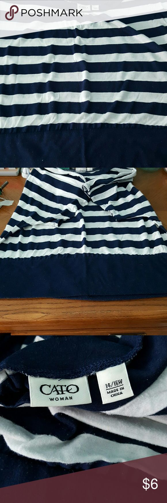 Women's Top Cute Blue and White top size 14-16W Cato Tops Blouses