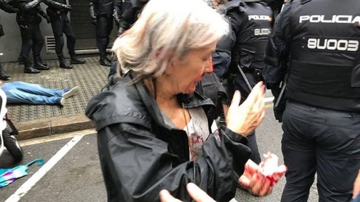 Σοκ στην Καταλονία: Πλαστικές σφαίρες, ξύλο και 38 τραυματίες από την επίθεση της αστυνομίας