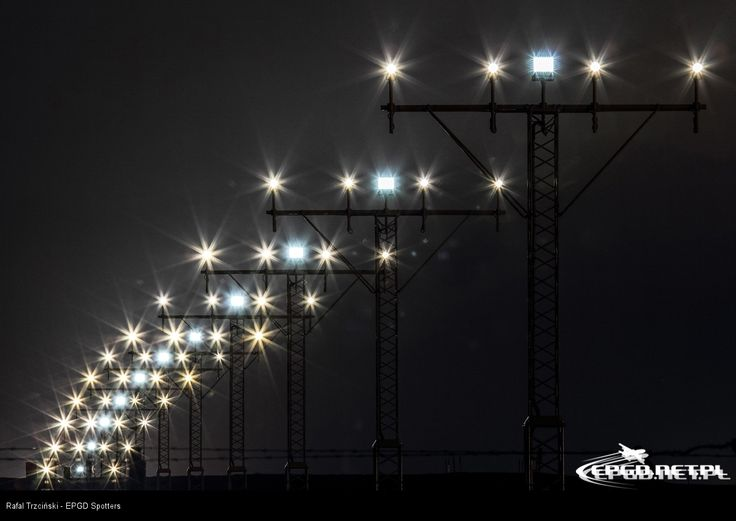 #airport #airportgdansk #gdansk #airplanes #planespotting #lights #airportlights / photo by EPGD Spotters