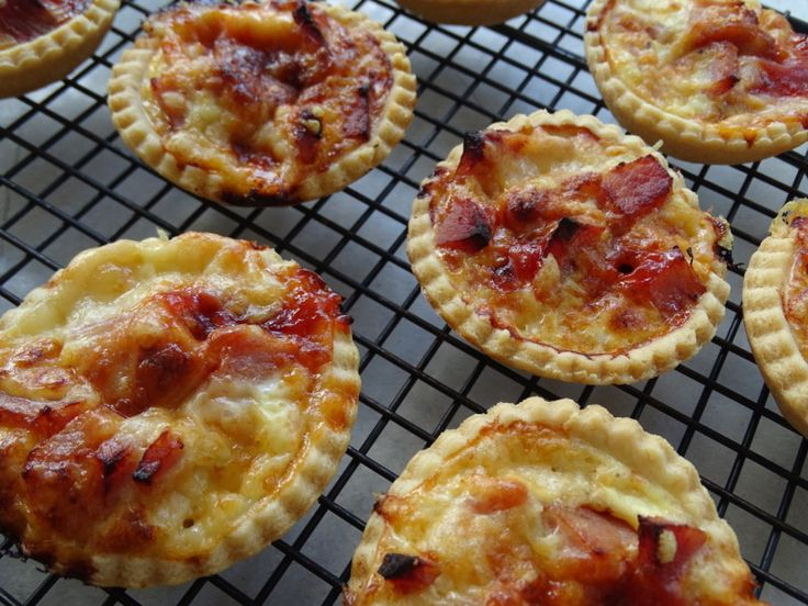 Bacon Gruyere & Tomato Tartlets ~ The Pink Whisk