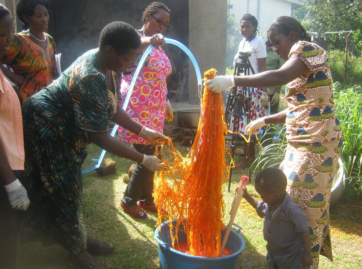 All of The Rwenzori Trading Company's woven products use natural #dyes to #colour the raffia that makes the products. The#orange dye comes from the binzali, #turmeric potato. To make the dye, take 0.5kg of binzali and pound them until they're soft. Mix the potatoes with your #weavingmaterial and 3 litres of cold water. Boil the mixture for 15-30 minutes. Rinse with cold water and leave to dry in the shade. Click the image for more information on #TKMaxx's Rwenzori project in #Uganda.