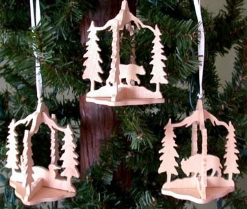 SLD123 - 12 Slotted Wildlife Ornaments
