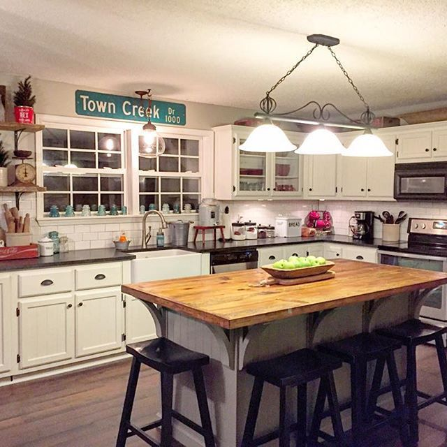 Farmhouse Kitchen, Cottage Kitchen, Rustic, Reclaimed wood island, BM Swiss Coffee Painted Cabinets, White Kitchen, Subway tile #farmhouse #reclaimedwood #vintagestyle #farmhousestyle #cottage #paintedcabinets