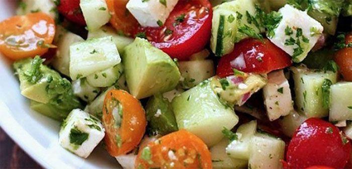Une salade qui vous aidera � d�gonfler le ventre et perdre du poids rapidement