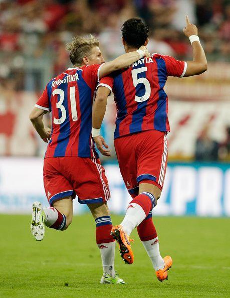 Y hasta alcanzaron a soñar,Bastian Shweinsteiger y Medhi Benatia, pero no les alcanzó ante el Barça: UEFA Champions League.