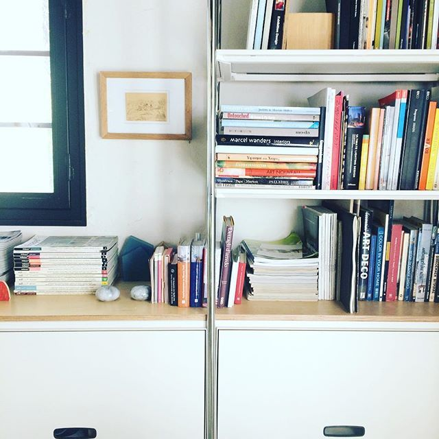 Surprisingly sunny Monday morning #woodworklab #studio #sunnyday #monday #bookcase #books #woodworklabstudio