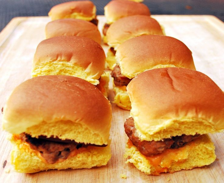 ... sliders turkey burger sliders with smoked gouda and sriracha mayo more