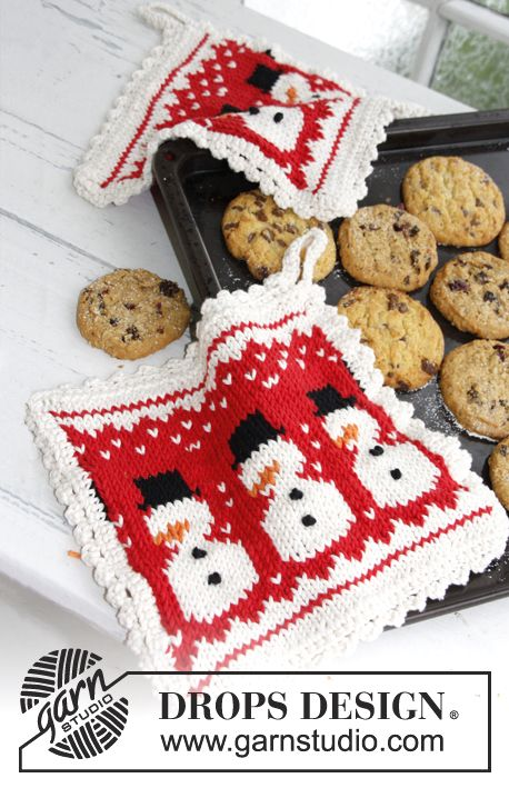 "The perfect little hostess gift! Knitted pot holders with snowman pattern for #Christmas in ""Paris"" by #DROPSDesign"