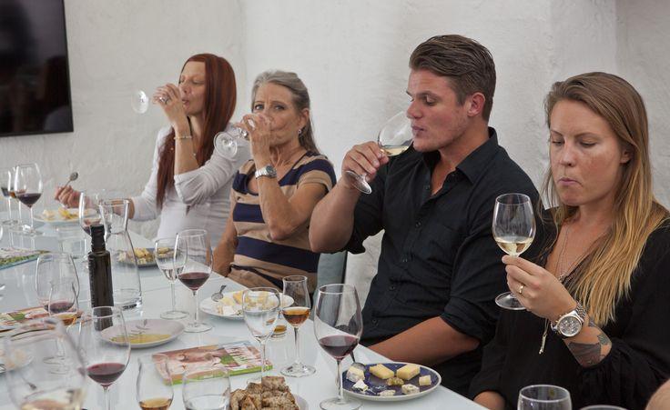 Vilka ostar och viner gifter sig väl?