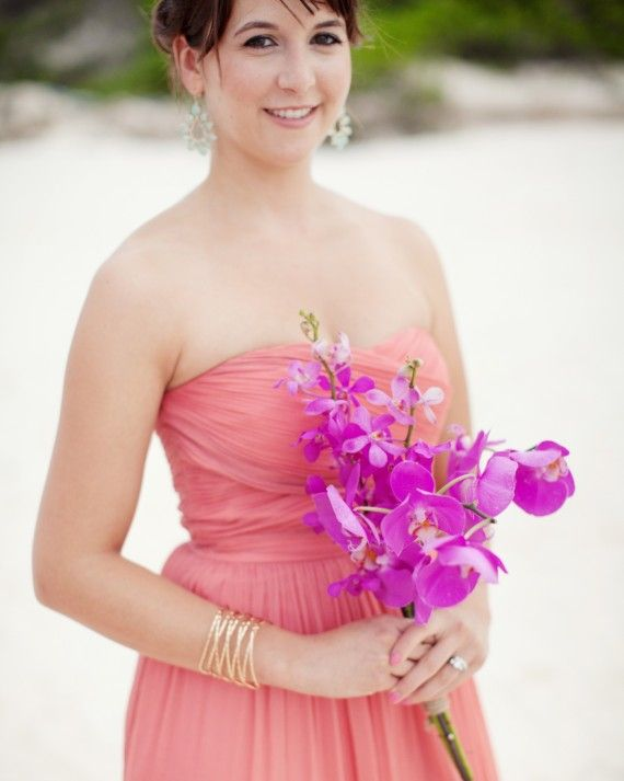 Striking color combo for #bridesmaids
