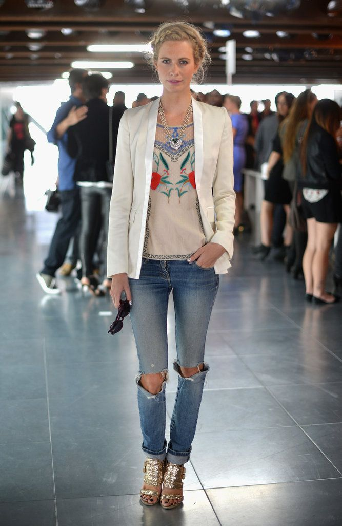 Street Style - white blazer and ripped jeans