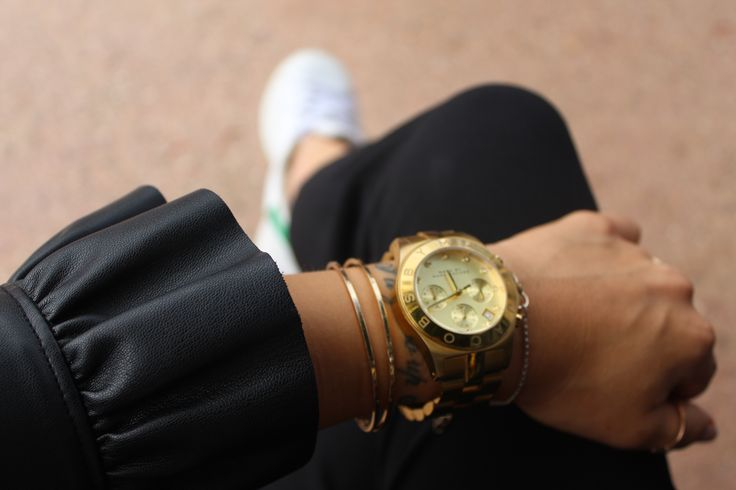 Wrist watch golden Marc by Marc Jacobs  Leather Jacket with ruffles ZARA  Adidas Stan Smith sneakers  Wrist Tattoo  Casual chic outfit fall autumn