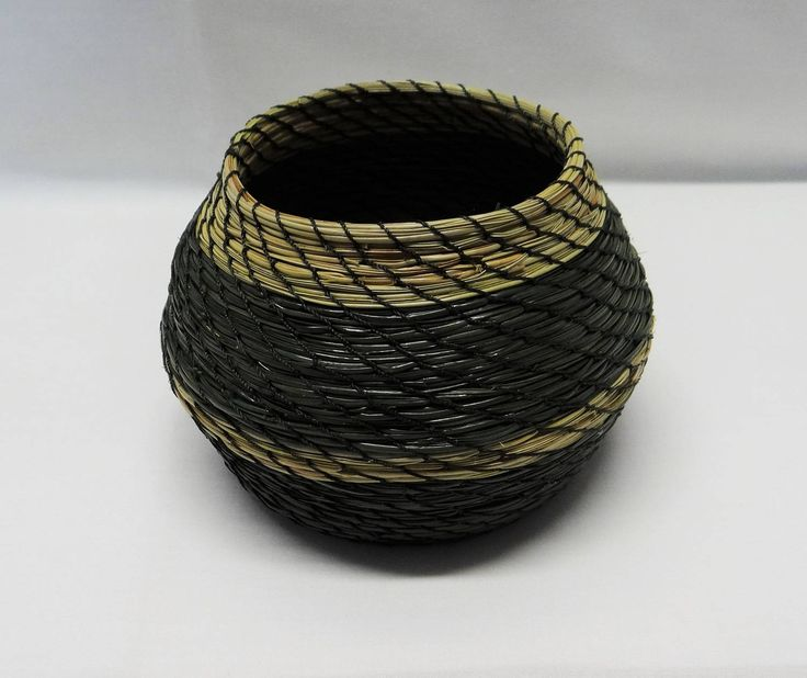 I'm experimenting with different shapes. What do you think? Pine Needle Basket Green Pine Needle Coiled Basket Green Pine Needle Vase Basket Native American Pine Needle Basket Housewarming Basket by CruisinCreations on Etsy