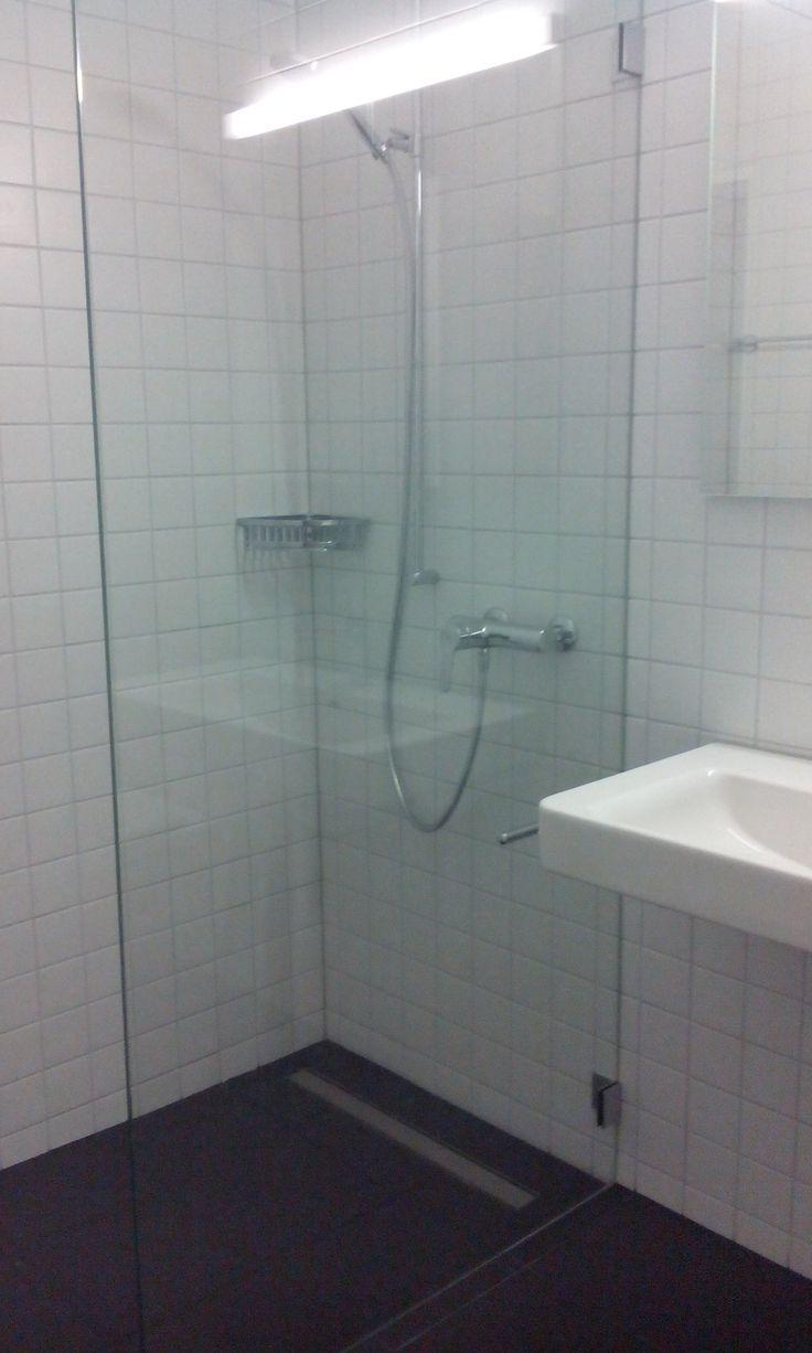 wet.room.glass