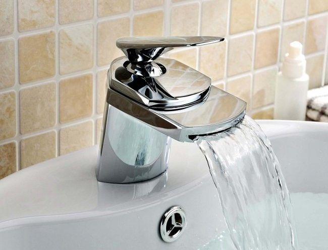 Rochelle Basin Mono Mixer Tap. Badezimmer ...