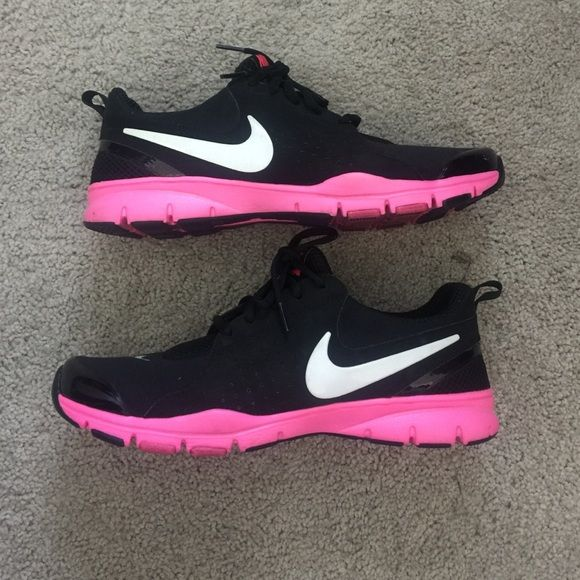Nike training shoes Black and pink nike training shoes. Inside has a type of jel that makes wearing super comfortable! Nike Shoes Sneakers