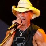 Kenny Chesney Remains at No. 1 With 'Come Over'