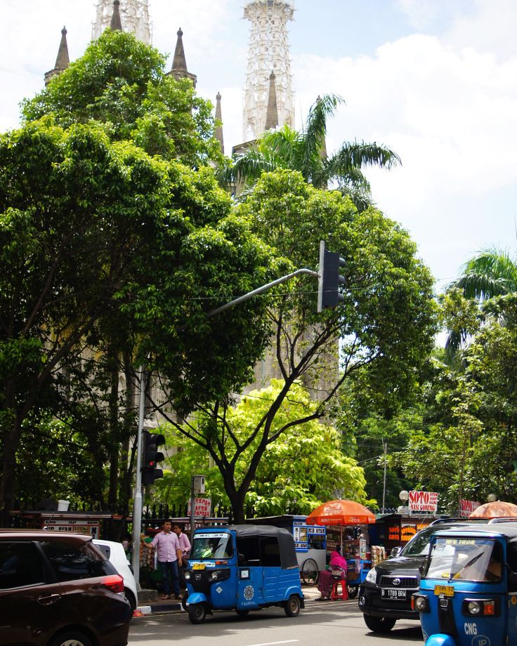 Jakarta – A Little Note on Public Transport and Food – Maria-Syamsi
