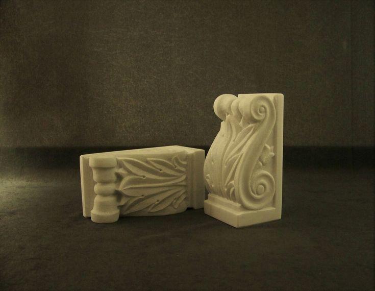 Βιβλιοστάτες φουρούσια σε νεοκλασικό ρυθμό. Μαρμαρογλύπτης  Αρμάος Μάρκος. Marble bookends handmade by Marcos Armaos.