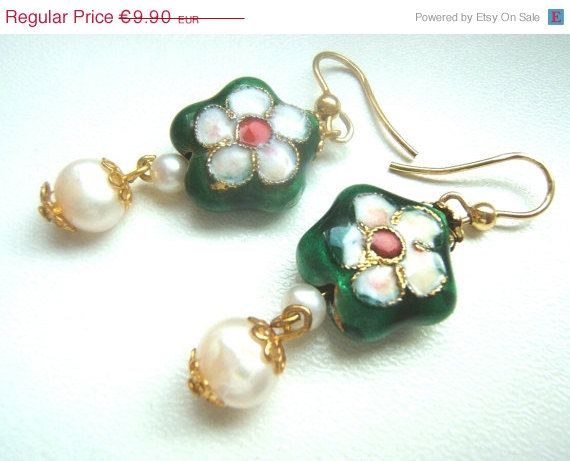 ON SALE Earrings Victorian style with cloisonné beads by LeSirenes, €7.92