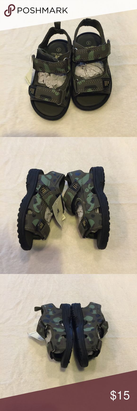 Rugged Bear Velcro Sport Sandals NWT Toddler 5 Rugged Bear Lil Eric Velcro Toddler Sport Sandals NWT! Camo coloring, with greens, brown, & black. Size Toddler 5. Yes, I have the box for these! Rugged Bear Shoes Sandals & Flip Flops
