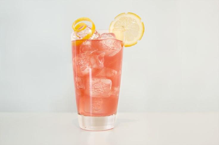 Patrón Silverback - Patrón Silver, grapefruit juice, cranberry juice. #brunch #patron #cocktail #patrontequila #entertaining #drinks #patronsilver