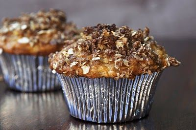 apple carrot cake muffins with cinnamon oat streusel