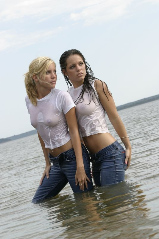 Thumbs wet t-shirt teen