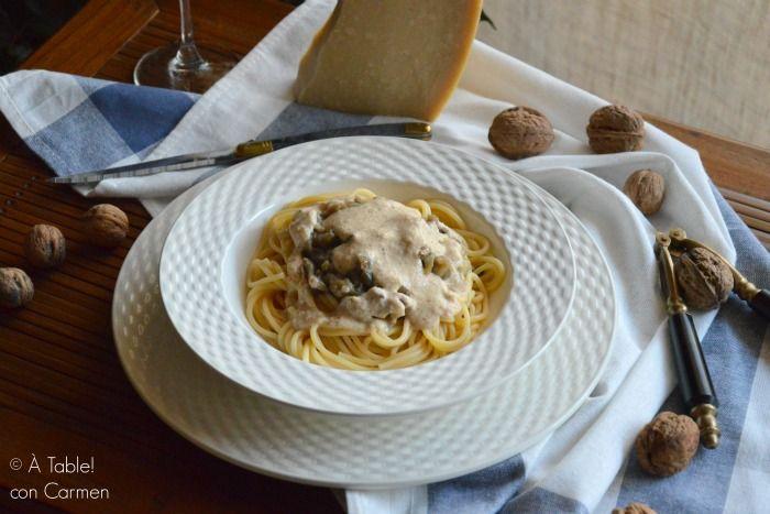 Espaguetis con Berenjena y Salsa de Nueces