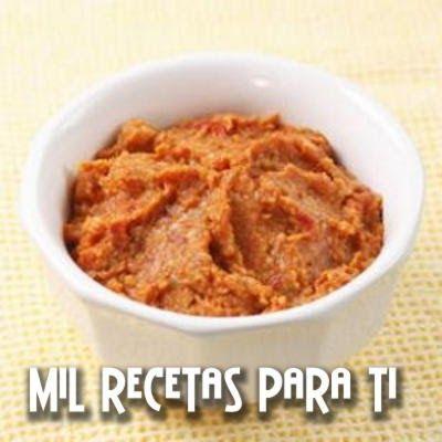 Pesto de Tomate Seco  Ingredientes:  1 / 4 taza de tomates secados al sol, suave o reconstituidos y picados (véase la extremidad)  5 cucha...