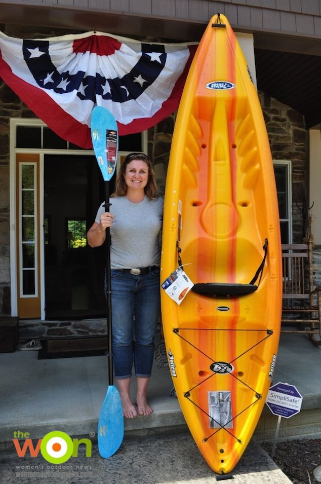 HOW TO Paddle - Michelle Cerino shares kayaking tips: http://www.womensoutdoornews.com/2014/07/tips-beginning-kayakers/ #howtokayak #kayakequipment Sponsored by VERTX Michelle Cerino Feature_Kayak