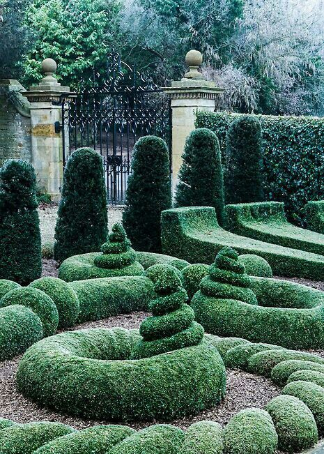 Bourton House Garden, Bourton-on-the-Hill, Moreton-in-Marsh, Gloucestershire