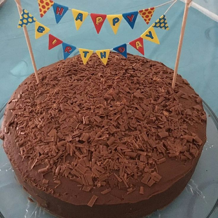 Red devils food cake with chocolate ganache icing