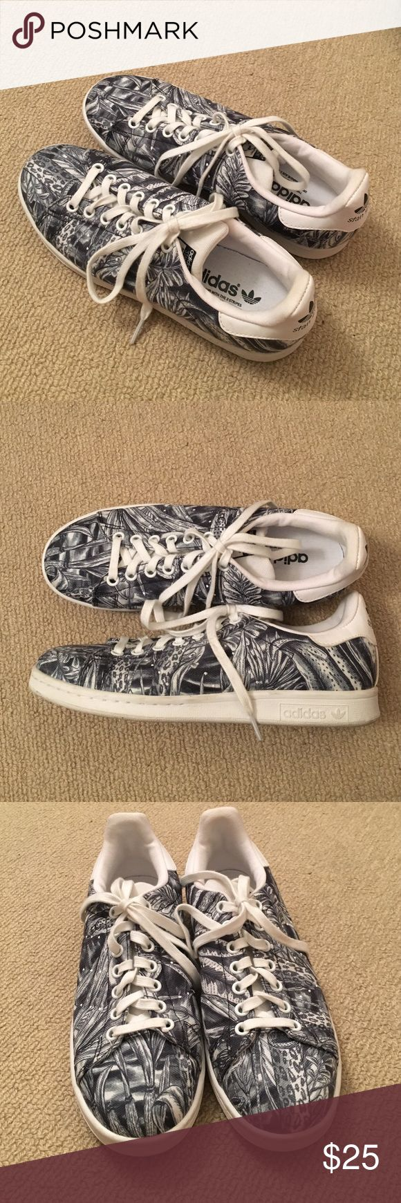 Adidas Stan Smiths Adidas Stan Smith print sneakers. Worn only once! Adidas Shoes Sneakers