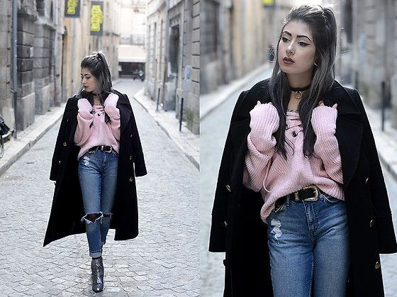 Get this look: http://lb.nu/look/8558505  More looks by Léopoldine Cannibale: http://lb.nu/cannibalecore  Items in this look:  Sheinside Pink Sweater, H&M Skinny Jeans, Marks & Spencer Coat, Glittered Boots   #casual #minimal #blogger #fashionblogger
