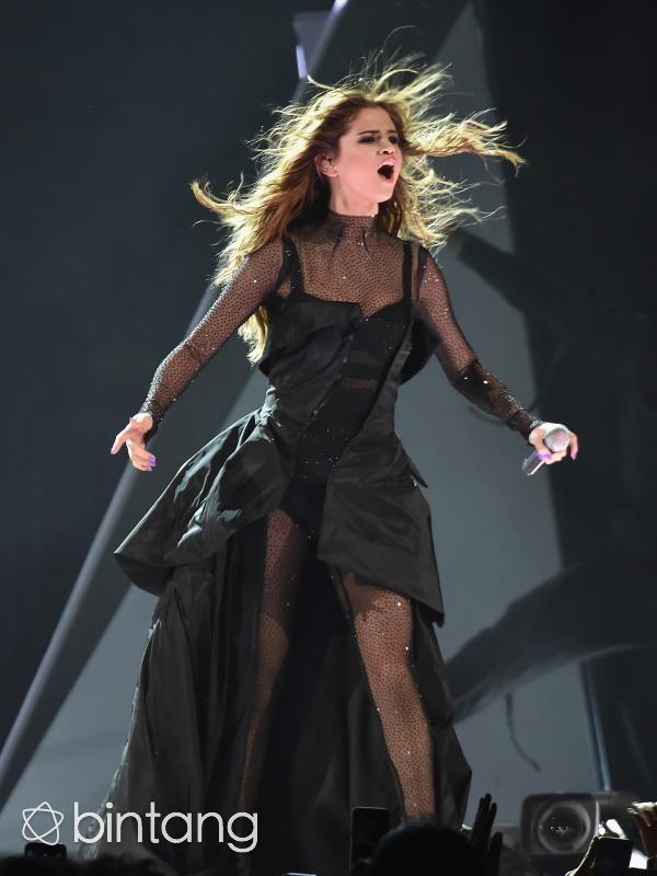 Selena akhirnya muncul kembali | PT. Kontak Perkasa Futures Cabang Surabaya Sebelumnya Selena Gomez sempat menjalani perawatan yang sama terkait lupus yang dideritanya pada 2014 lalu. Akibat lupus, Selena pun harus rela menghentikan konsernya, ia sempat mendapat serangan panik dan memutuskan…