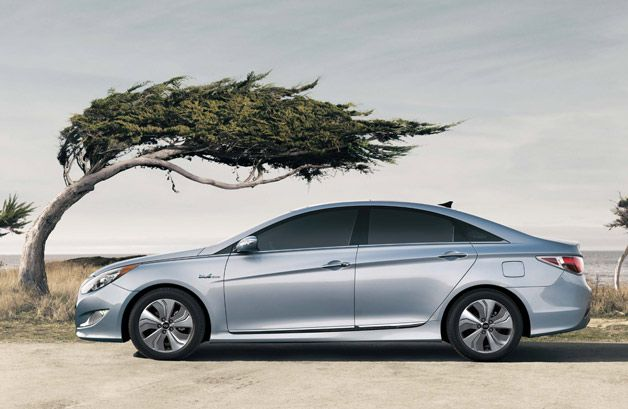 2013 Hyundai Sonata Hybrid gets bigger, better battery pack, lower MSRP [UPDATE]