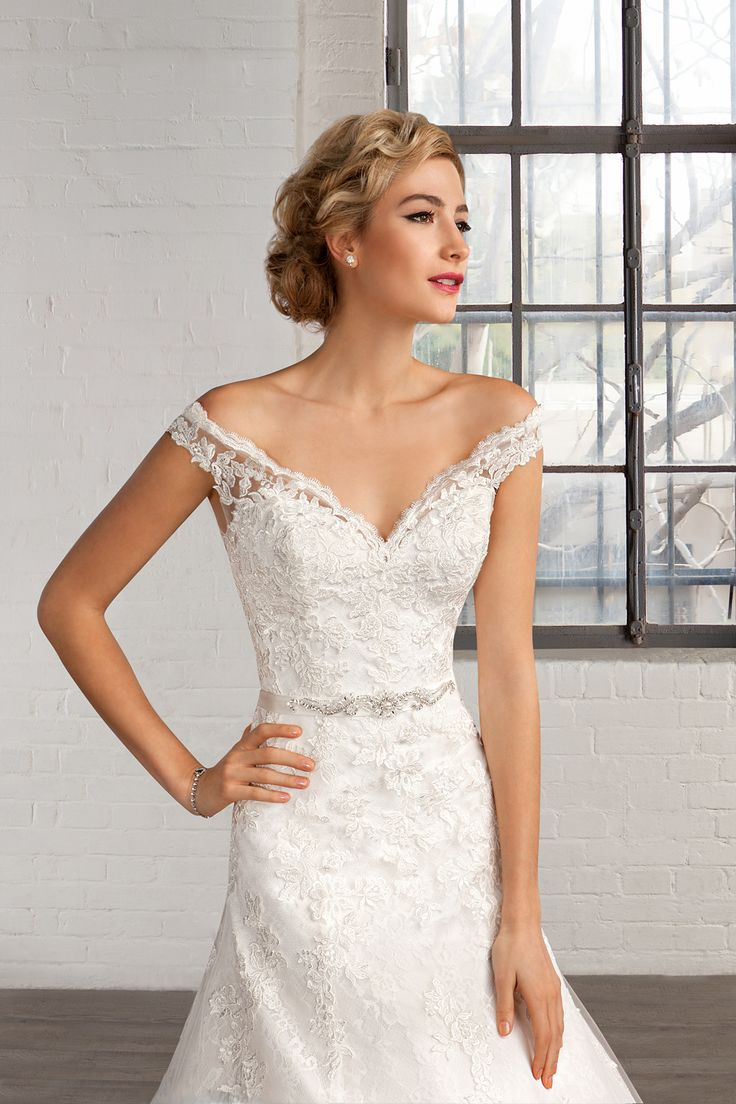 Cosmobella Style 7754:Cosmobella wedding dress 2016 collection : https://www.itakeyou.co.uk/wedding/cosmobella-wedding-dress-2016 #weddingdress #weddingdresses